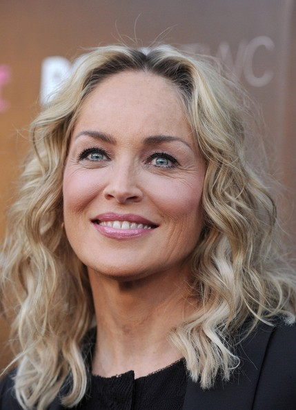 Sharon Stone's Kinked Waves