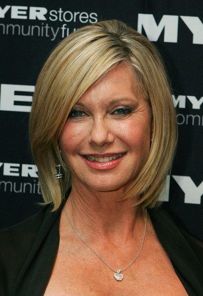 Olivia Newton-John's Side-Parted 'Do