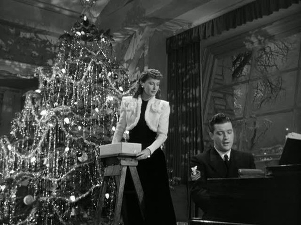 Vintage Holiday Movies We Love