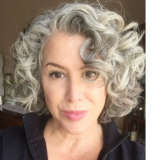 Embrace The Gray With These 25 Fabulous Hairstyles It S Rosy