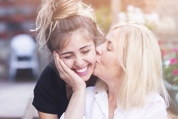 20 Signs That Your Daughter Is Also Your Best Friend